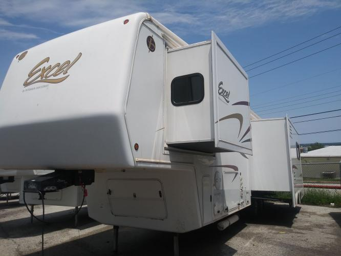 2008 EXCEL 33RSE (1P9RF332781) , located at 3723 N Main St, Cleburne, TX, 76033, (817) 678-5133, 32.368980, -97.396111 - Photo #0