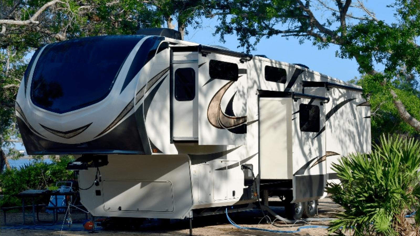 New & Used RVs Arlington TX, Used Motorhomes DFW, Travel Trailer RVs